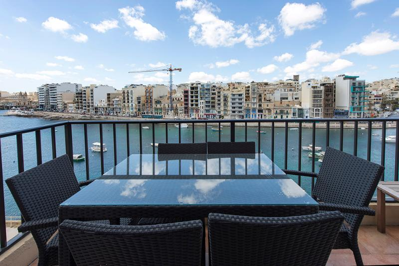 047 Seafront Duplex 4-bedroom Apartment - Image 1 - Saint Julian's - rentals