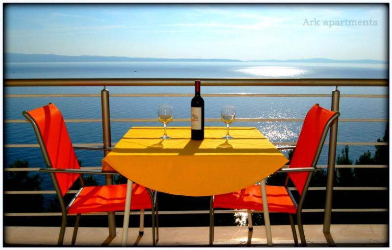 Sea View Balcony - Ark sea view studio, secluded by the beach II - Split - rentals