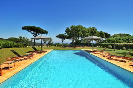 La Reserve-Villa 19 offers sea view, tennis court and access to hotel amenities - Image 1 - Ramatuelle - rentals