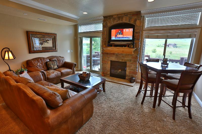 Living Room - Luxury, Location, Adventure - Huntsville - rentals