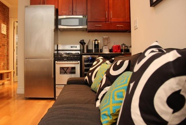 NYC One bedroom in the Turtle Bay area - Key 552 - Image 1 - New York City - rentals