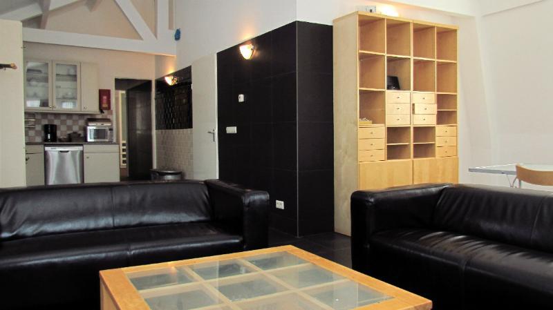 AMS Two-bedroom in Nieuwmarkt Area  - Key 13 - Image 1 - Amsterdam - rentals