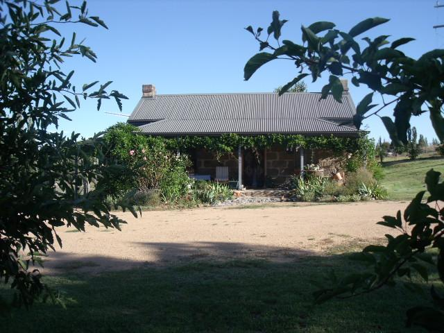 Woodvale at Cooma Farm Stay/Pet Friendly Holiday Cottage - Image 1 - Cooma - rentals