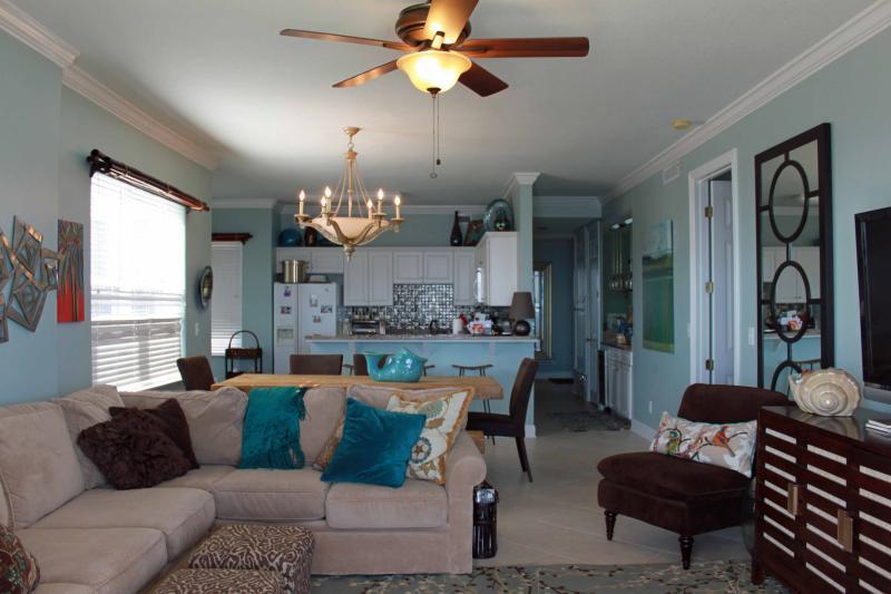 Living Area - Regency Isle - Beautiful Corner Unit 3Br/3.5B Spectacular Views Book 6 nights 7th free - Orange Beach - rentals