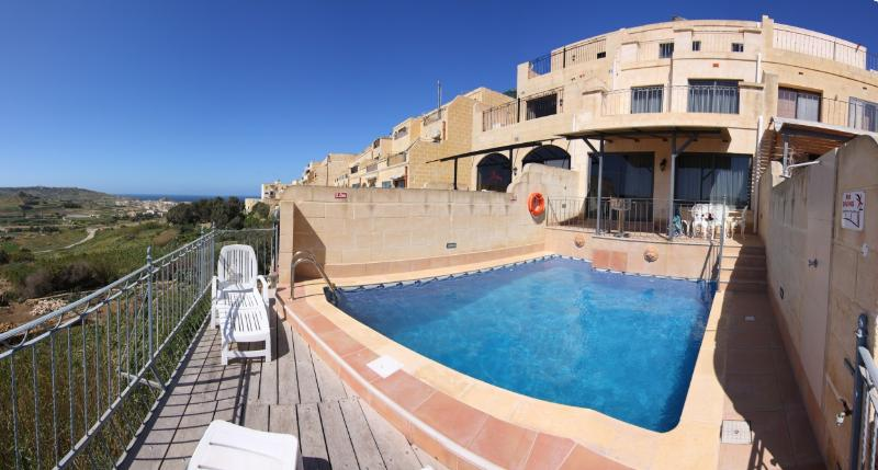 Cliff Edge Pool. - Relaxing Cliff Edge Views. - Xaghra - rentals