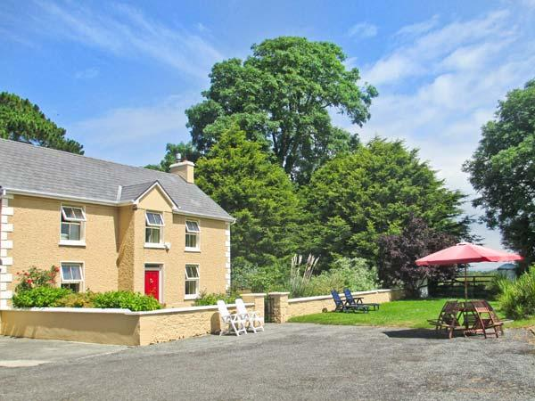 TRALIA FARMHOUSE, family accommodation, woodburner, on working farm, countryside views, near Firies and Killarney, Ref. 25022 - Image 1 - Killarney - rentals