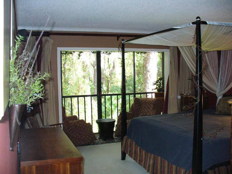 Master Bedroom, the Sitting Area is by the window - TROPICAL JUNGLE PARADISE NEAR THE BEACH - Sarasota - rentals