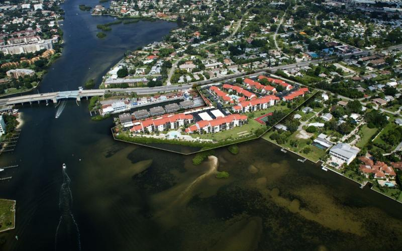 Just walk over the bridge to Siesta Key Beach!! - Amazing  Location-Short Walk to Beach!!! - Sarasota - rentals