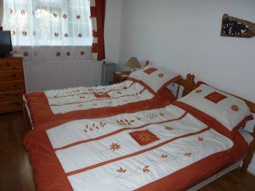 The bedroom - B & B in an area of outstanding natural beauty - Llanfair Dyffryn Clwyd - rentals