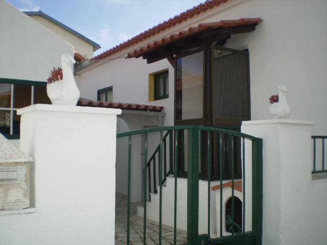 A CASINHA    Casa Térrea em Ribamar da Lourinhã na Zona Oeste - Image 1 - Portugal - rentals