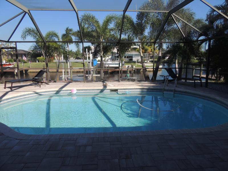 Pool with Waterfront View - May 6th-13th Special!  SE Cape Coral Gulf Access Pool Home/ FREE WIFI - Cape Coral - rentals
