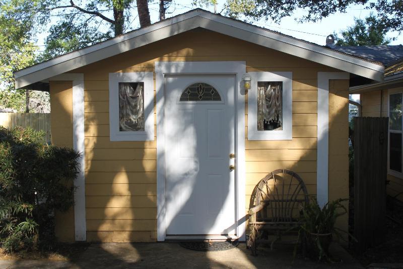 Cute cottage - Cute Cottage near beach & downtown Dunedin - Clearwater - rentals