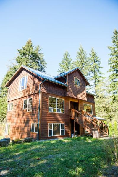 Mountain Escape Chalet, Wifi, Sleeps 12, Gated Community, Hot Tub, Two houses in One! - Image 1 - Glacier - rentals