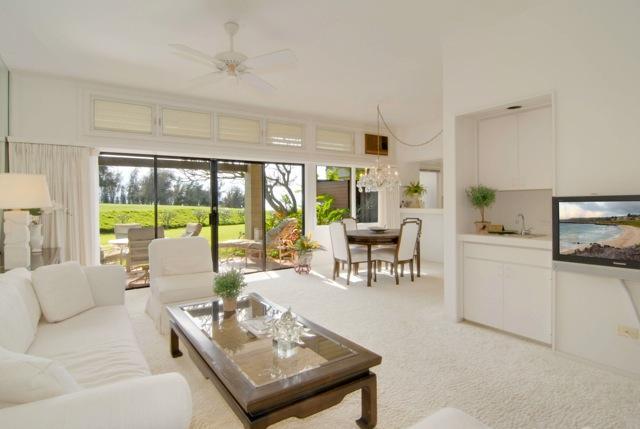 Living Room - BEST VALUE AT THE KAPALUA RIDGE + Discounted Golf! - Kapalua - rentals