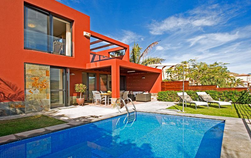 Holiday villa with private pool in Salobre Golf Resort - Image 1 - Maspalomas - rentals