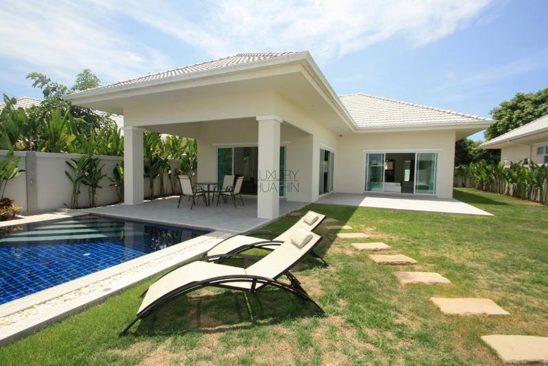 Lovely  Pool Villa - Image 1 - Hua Hin - rentals