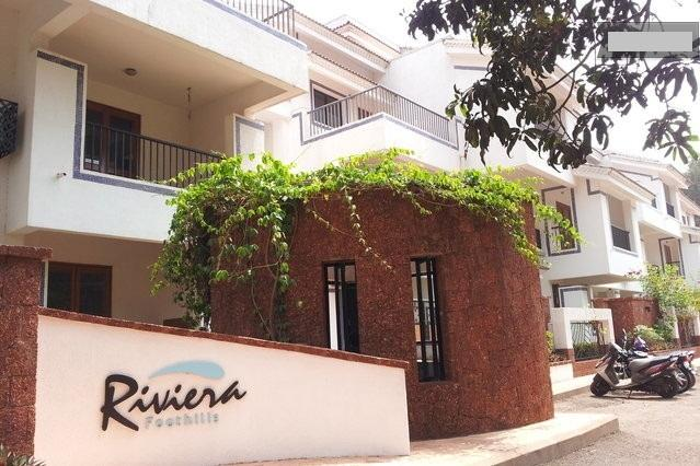 Outside view of the complex where the apartment is located ! - Riviera Foothills - Hill View Duplex Apartment - Arpora - rentals