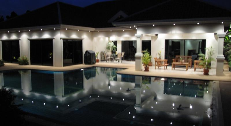 Evening at Tropical Pool Villa - Tropical Pool Villa steps from the beach! - Jomtien Beach - rentals