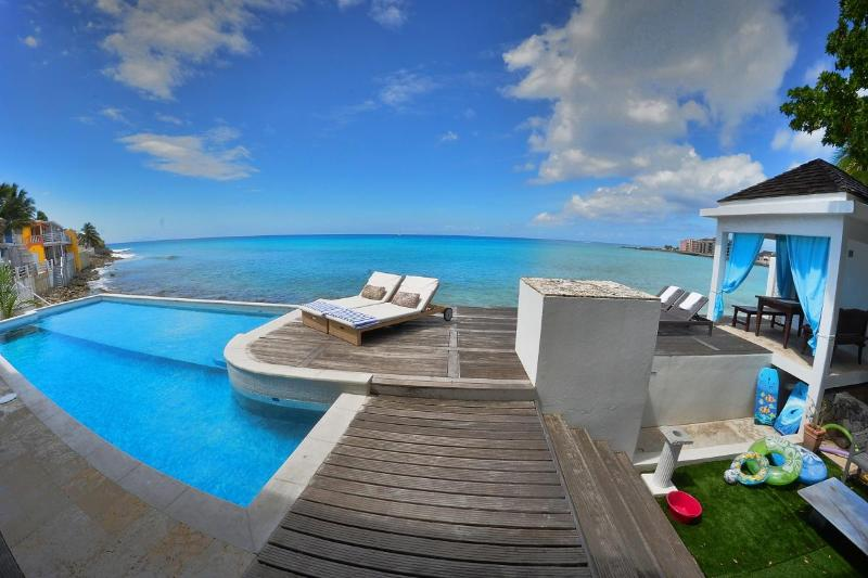 Amazing view of the villa - Villa LaLuna Great Beachfront 5 bedroom property - Saint Martin-Sint Maarten - rentals