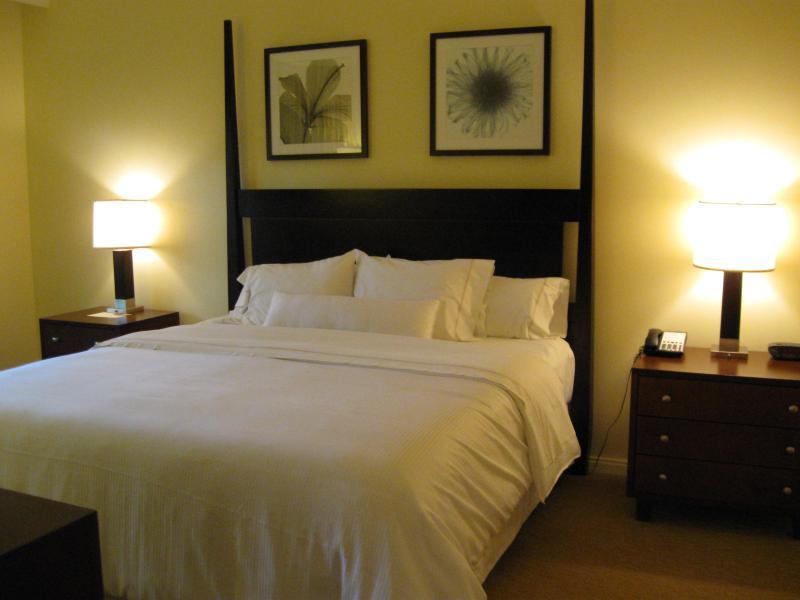 King size bed - Kaanapali Westin Ocean Resort Villas- Maui, Hawaii - Lahaina - rentals
