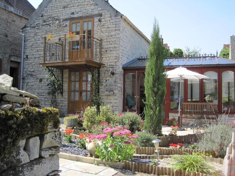 Le Biscottage and conservatory - L'Expatisserie & Le Biscottage - Arcy-sur-Cure - rentals