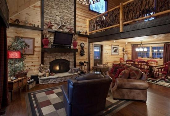 Great Room with a wood burning fireplace - Pet Friendly Vacation Rental with Hot Tub, fire pit and media room - Ellijay - rentals
