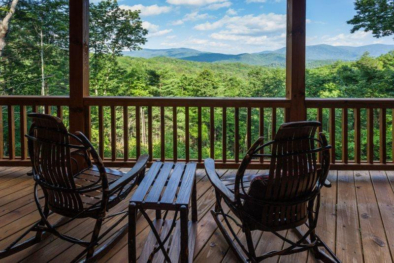 Just let the peaceful setting views take your Breath Away - Breath Away Chalet - Ellijay - rentals