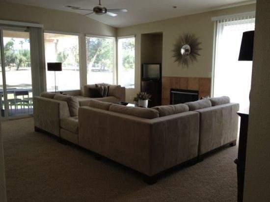 TWO BEDROOM W/DEN ON SOUTH NATOMA - V2SIM - Image 1 - Palm Springs - rentals