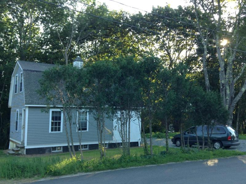 House view from Pleasant Street - Cozy 1 bedroom house in Rockport Village - Rockport - rentals