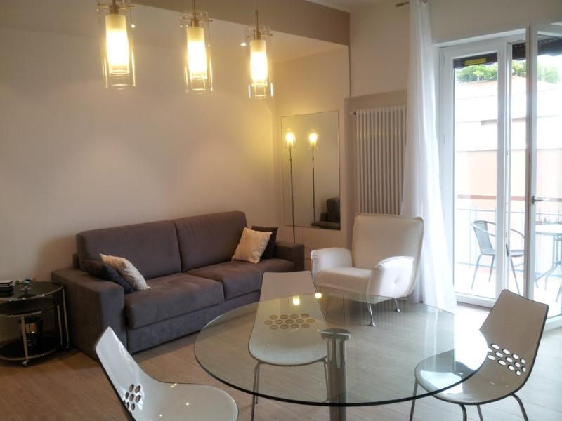 living room - Rosella Apartment: Verona center, balconies,WiFi - Verona - rentals