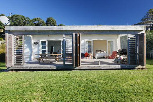 BEACHFRONT - Image 1 - Oneroa - rentals