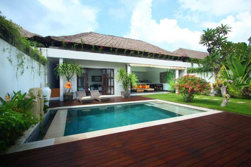 Cozy Tropical Villa Near Beach in Batubelig Seminyak - Image 1 - Seminyak - rentals