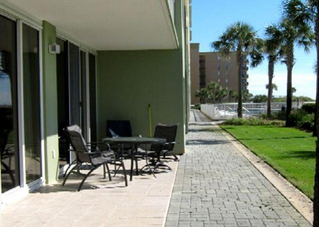 Actual patio - 2 Bedroom and Gulf Front. Not alll groung floors have a view like this. - Fort Walton Beach - rentals
