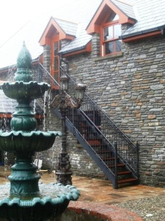 O' Sullivans Lodge Holiday Home On the Sea - Image 1 - Bantry - rentals