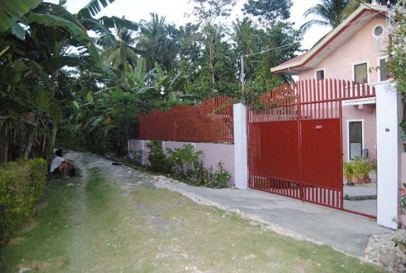 outside the gate - bahay ko bahay mo, feel at home ka dito - Bohol - rentals