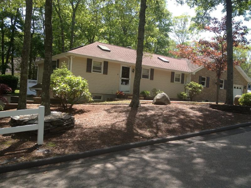 81 Deepwood Dr. East Falmouth, MA - Immaculate-Spacious 3 Bdrm./Private Beach Access - Falmouth - rentals