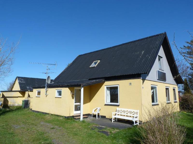 House seen from driveway - Natural delight, large countryside vacation home.. - Gudhjem - rentals