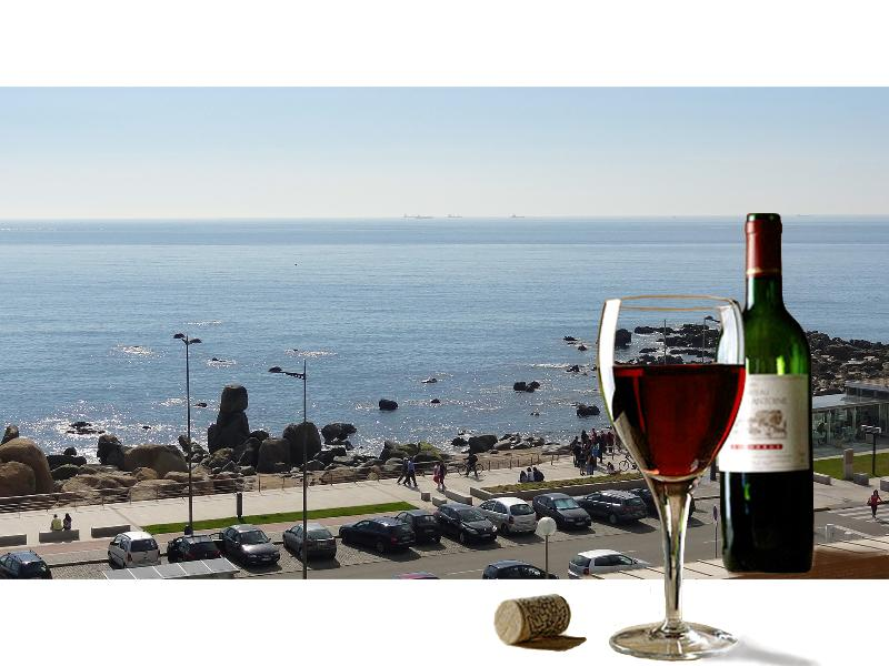 Balcony - a perfect place for a glass of Port - AFFORDABLE LUXURY BEACH APARTMENT, SUPERB SEA VIEW - Vila Nova de Gaia - rentals