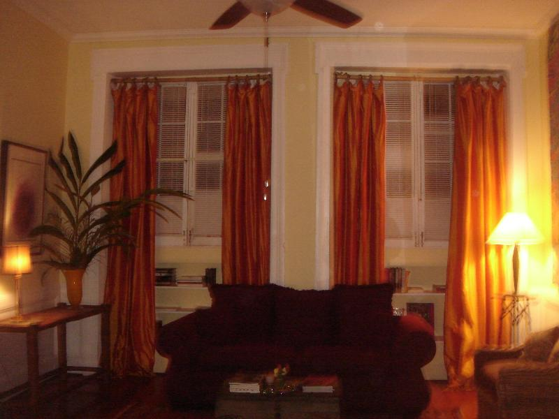 Living and dining room - Great French Qtr. Rental - 725 Ursilines - New Orleans - rentals