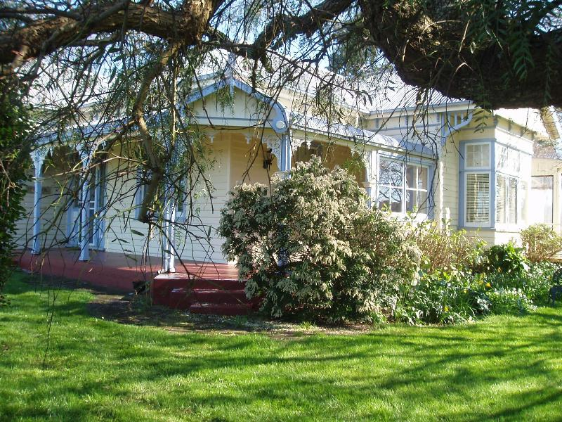 Glencoe in Spring - Beautiful B&B with character near Cradle Mountain - Veitastrond - rentals