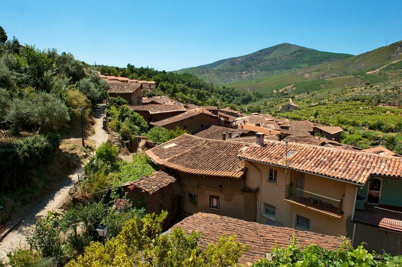 vista desde porche Azahar - casa rural con zona de barbacoa y chimenea - Robledillo De Gata - rentals