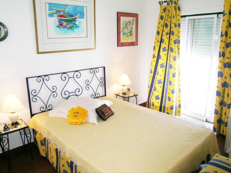 Long term rental -cosy apartment Portugal Algarve - Image 1 - Ferragudo - rentals