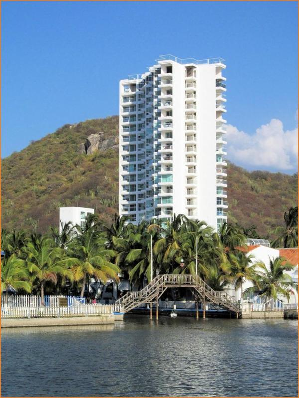 Exclusive flat in front the beach 443 square ft - Image 1 - Santa Marta - rentals