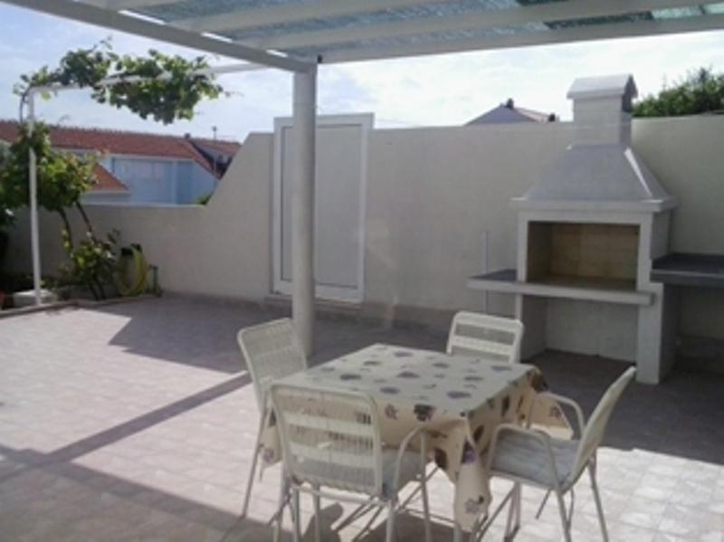 Apartment with beautiful terrace and sea view - Image 1 - Dubrovnik - rentals