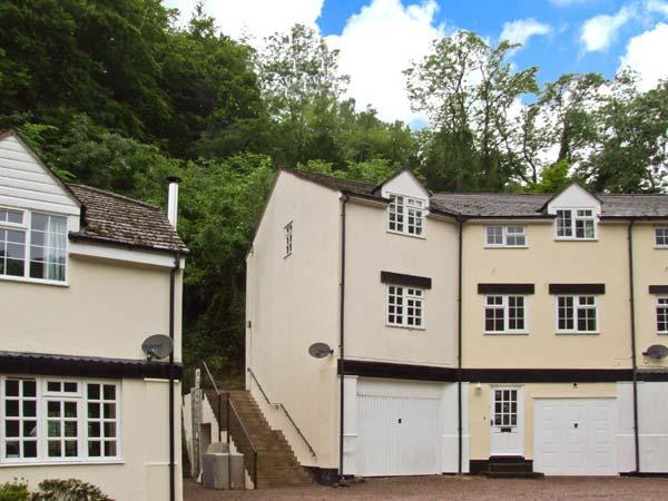 8 WYE RAPIDS COTTAGE, over three floors, woodburner, parking, garden, in Ross-on-Wye, Ref 26793 - Image 1 - Ross-on-Wye - rentals