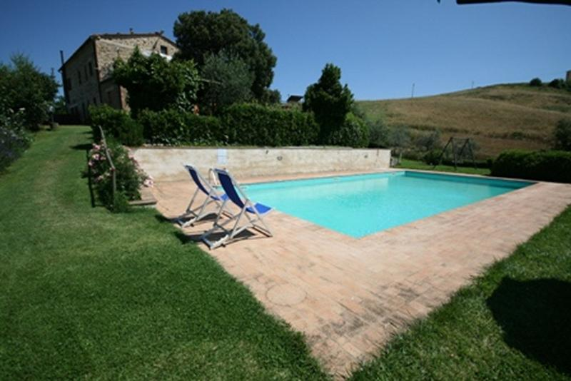 Casa Linda - Farmhouse with 8 sleeps - Image 1 - Casole d Elsa - rentals