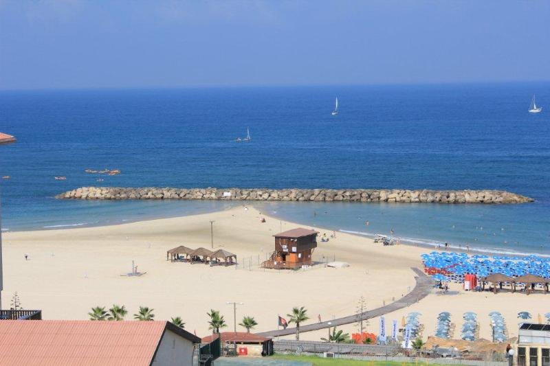 LUXURY DUPLEX WITH  SEA VIEW, TERRACE ON THE BEACH - Image 1 - Herzlia - rentals