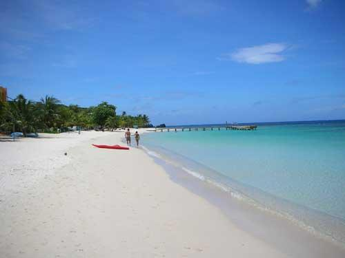 Luxury Condo by Top 10 Beach in the Caribbean - Image 1 - Honduras - rentals