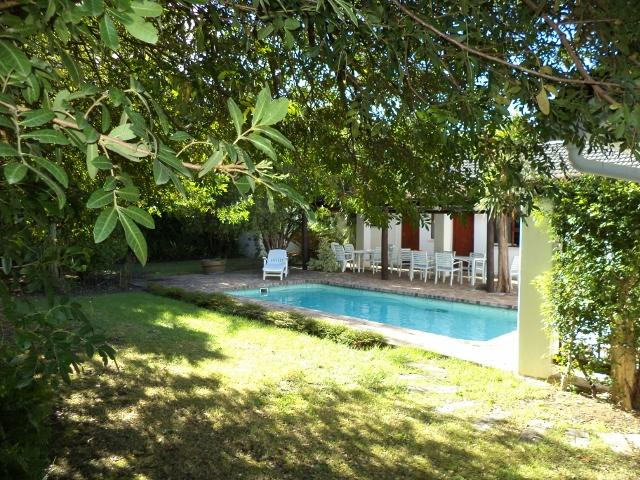 Garden and pool - House ideally situated near golf courses and in the heart of the winelands - Somerset West - rentals