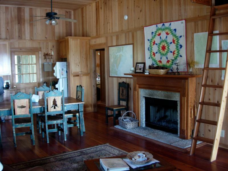 Dining area - Island Getaway Near Savannah GA - Darien - rentals